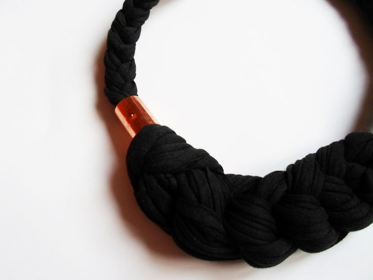Organic cotton knotted necklace in black with brass