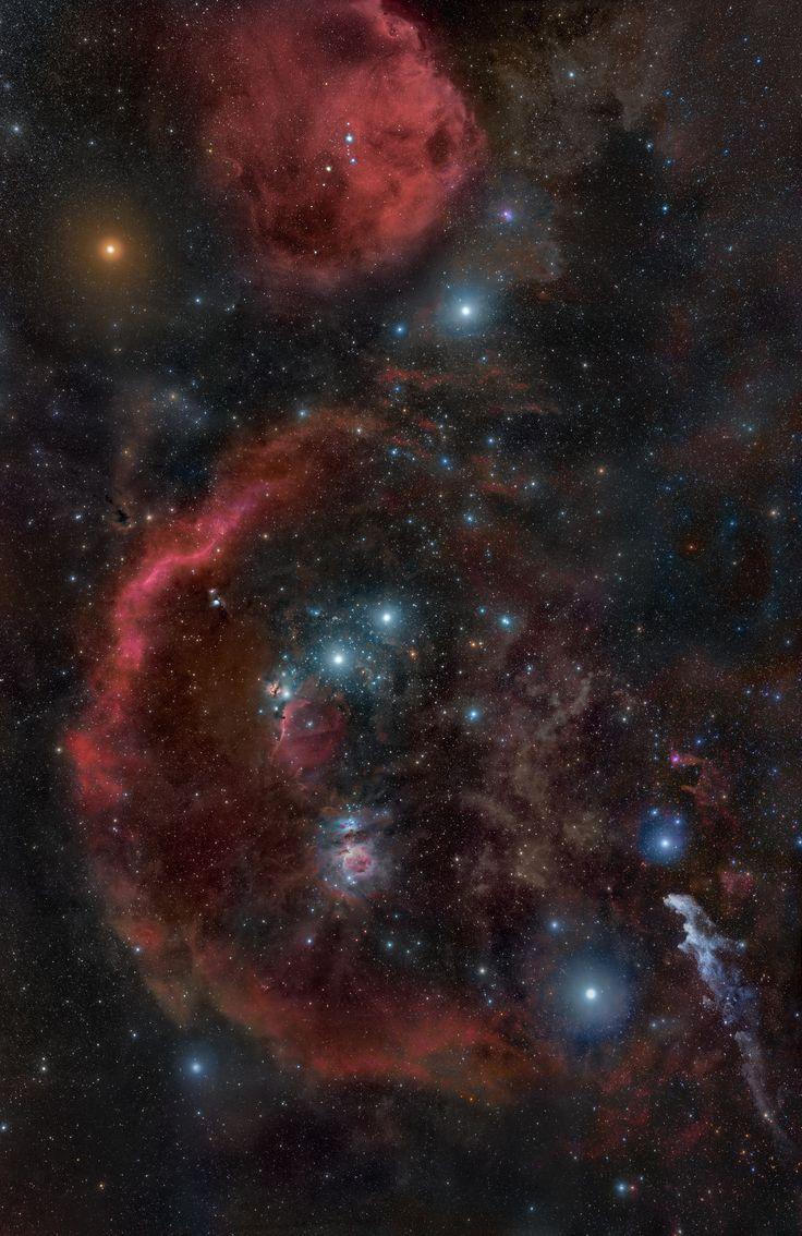 Betelgeuse brilhando avermelhada no canto superior esquerdo da constelação de Órion (Foto: Wikimedia Commons)