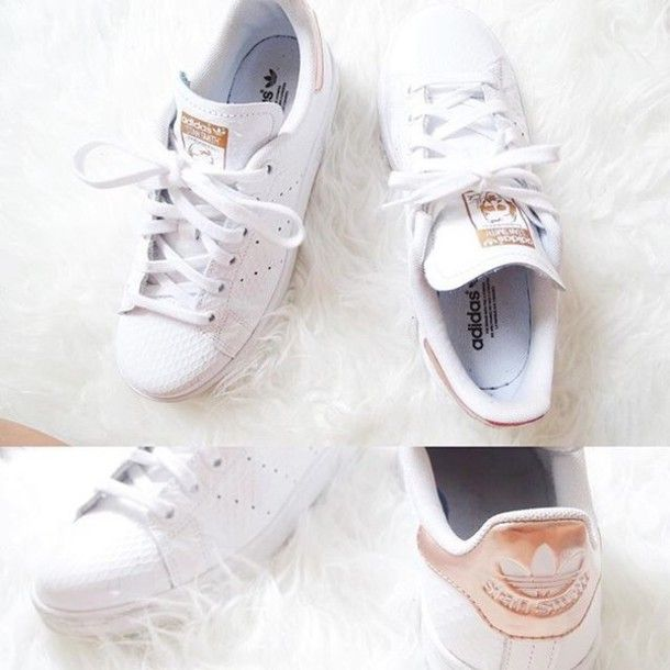 adidas rose pale et blanche superstar