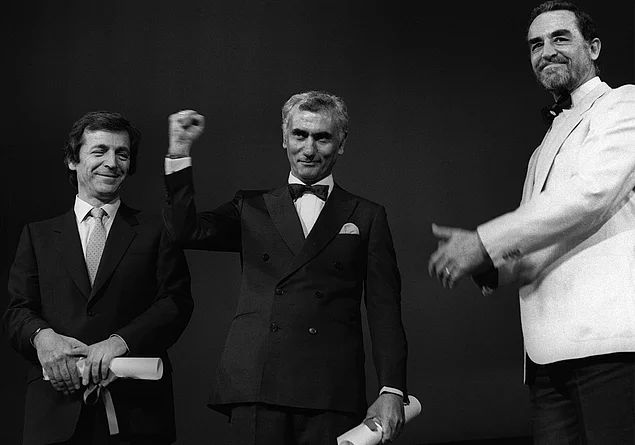 1982 - Yılmaz Güney'in Cannes'da Altın Palmiye Ödülü alması