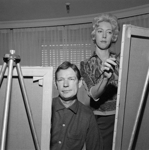 Walter and Margaret Keane work side by side in 1961.. big eyed children, art fraud