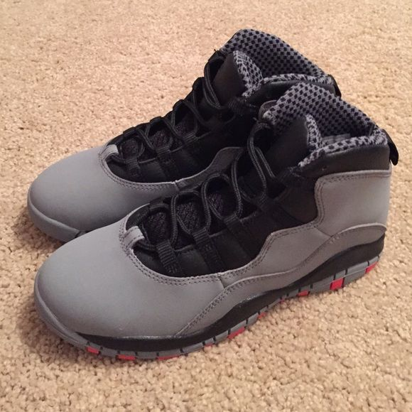 COOL GREY JORDAN RETRO 10 SIZE 3Y COOL GREY JORDAN RETRO 10 SIZE 3Y DEADSTOCK. PLEASE DO NOT MAKE AN OFFER IN THE COMMENTS. IF YOU WOULD LIKE TO PURCHASE SOMETHING EITHER BUY NOW OR USE THE LINK FOR NEGOTIATIONS. I DO NOT TRADE. DO NOT ASK. YOUR COMMENT WILL BE IGNORED. EVERYTHING IS SOLD AS IS WITH NO RETURNS SO ASK ANY AND ALL QUESTIONS UPFRONT BEFORE PURCHASING. Jordan Shoes Sneakers