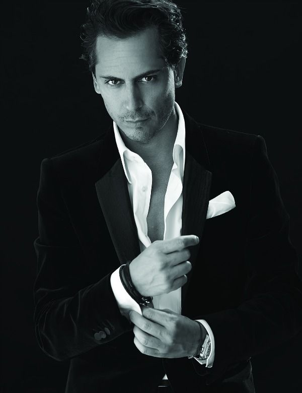 Even if you're not considering a new signature scent, I suggest you have a quick peek at this Q&A with the smartly handsome Kilian Hennessey (yep, THAT Hennessey) who happens to have his own perfumery & eponymous line called Kilian.