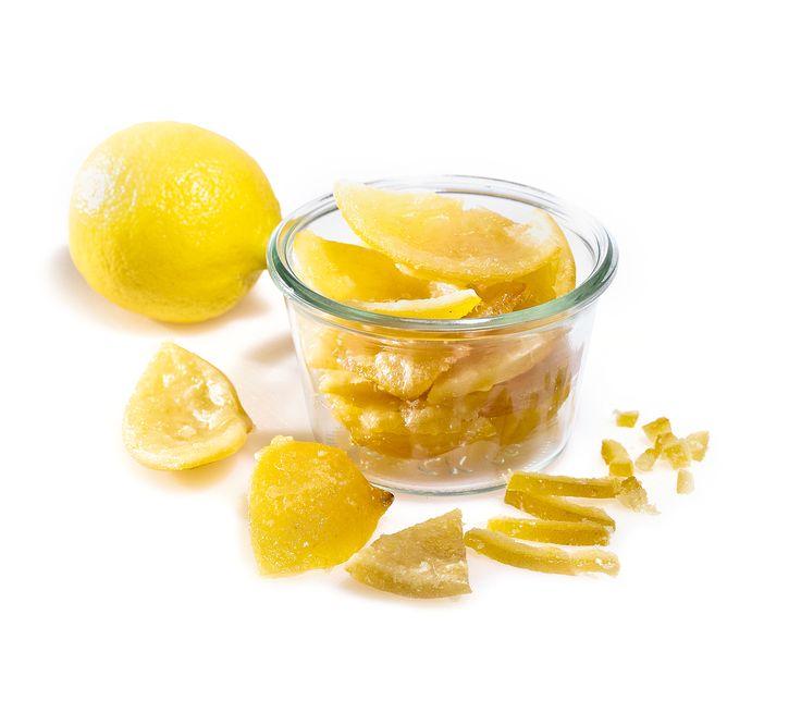 Zitronat schmeckt äusserst süss und aromatisch. Aus Zitronenschalenresten lässt es sich ganz einfach selber herstellen.