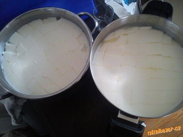 Mléko nepasterizuji pouze ohřeji na 35-38°C při pasterizaci se ztrácí z mléka spousta užitečných živ...