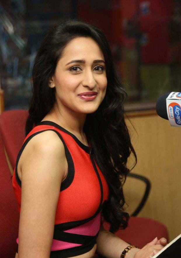 Pragya Jaiswal (5)