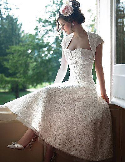 Vintage wedding dress.:
