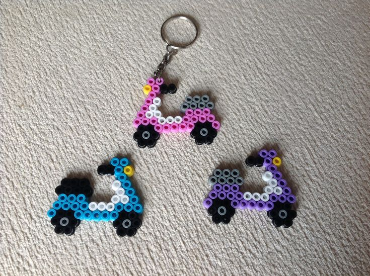 Hama beads - llaveros moto