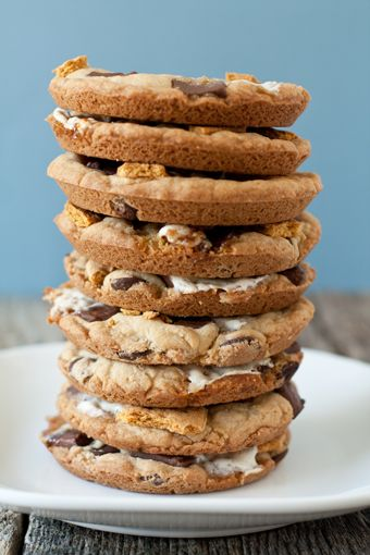 Giant S'mores Cookies: Baking Addiction, Muffins Tops, S More Cookies, Smore Cookies, Food, Giant Smore, Giant S More, Giant Cookies, Cookies Recipes