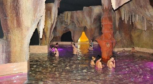 Hajdúszoboszló.Élményfürdő-barlang (Hungary)