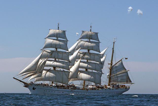 """Segelschulschiff """"Gorch Fock"""" der Deutsche Bundesmarine / German navy sail training barque Gorch Fock"""