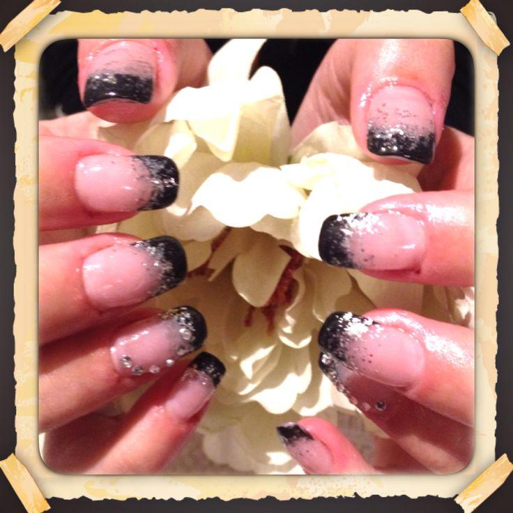 Franske negle med håndmalet sort tip med sølv glimmer ❤️