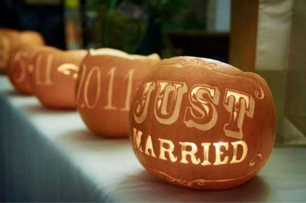 Inspiração para um casamento no outono. #casamento #inspiração #ideias #outono #abóboras #velas #luzes