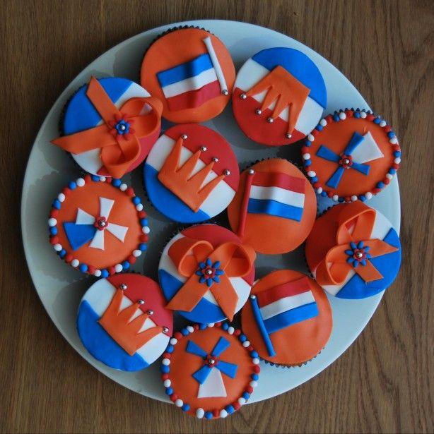 Gezellige cupcakes voor Koninginnedag, Kroningsdag, Koningsdag, troonswisseling........etc