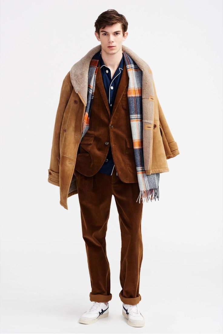 Approaching J.Crew's fall-winter 2016 men's collection, designer Frank Muytjens found the season's inspiration in a collection of vintage horse blankets. The idea of soft, subdued hues led to the range's autumnal hues and use of texture. Mixing plaids, corduroy and tweeds, J.Crew's wardrobe opens up with a classic mix of separates. From the shearling jacket …
