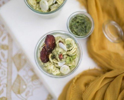 FouettMagic | Orecchiette pesto de fanes de radis, fèves des marais et chorizo  © Elodie Deceuninck