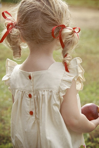 from bleubird vintage: Kids Hair, Red Buttons, Little Girls, Pigtail, Ribbons, Dresses, Curls, Curly Hair, Farms Chic