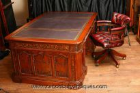 - Gorgeous American Presidents desk and matching captains tub seat with swivel action<br /> - Classic Resolute partners desk - a piece of American history<br /> - Come and view this in our Hertfordshire showroom - just 25 minutes north of London<br /> - Sumptuous office set up - great to find matching chairs and desk<br /> - Exact replica of the very desk found in the Oval Office at the White House in Washington DC<br /> <br />...