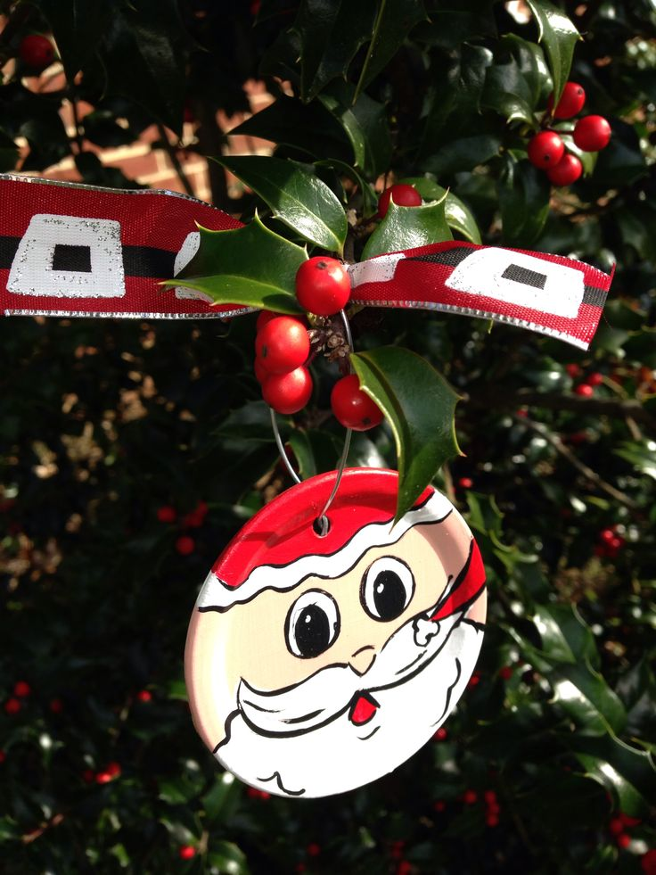 Canning lid Christmas ornament! Facebook.com/studioten-sixteen