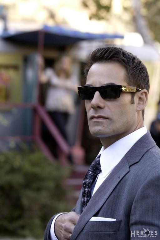 Nathan Petrelli/ Heroes - wears Rolex Submariner - luxury watch for men