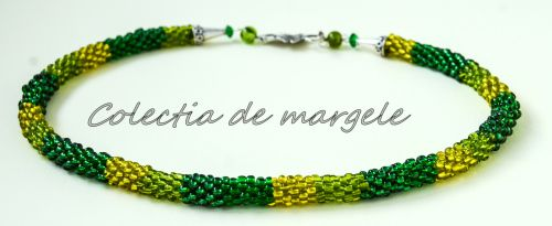 Secret garden - corchet beading necklace www.colectiademargele.ro