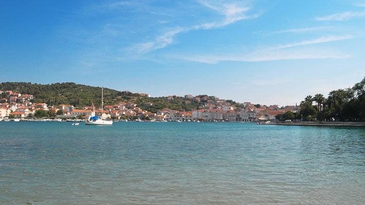 Statiunea Trogir, Croatia  Trogir, o bijuterie a coastei dalmate - galerie foto.  Vezi mai multe poze pe www.ghiduri-turistice.info