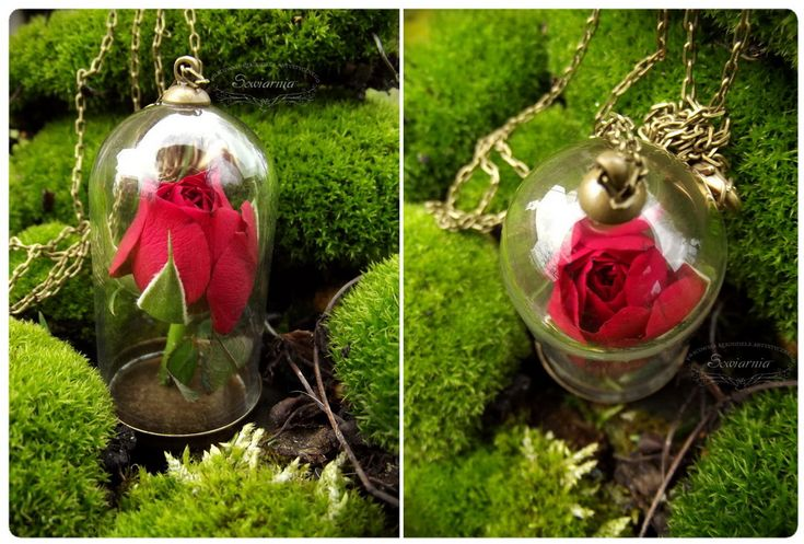 Vintage necklace - real miniature rose under the glass dome.