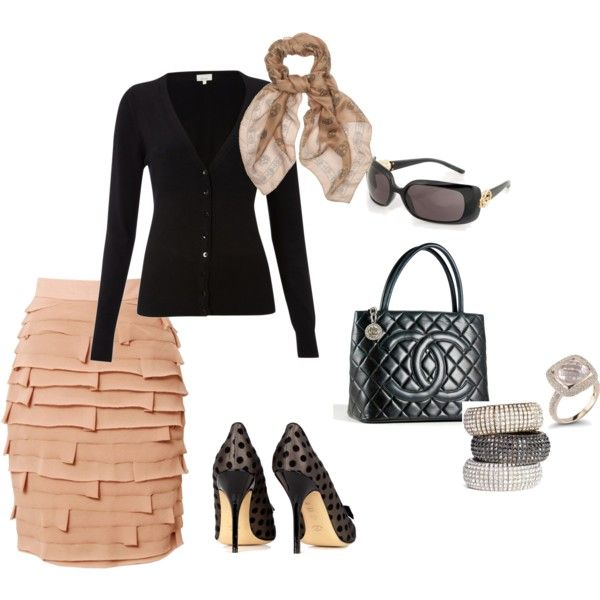 Gorgeous classic ladylike outfit! I want it!