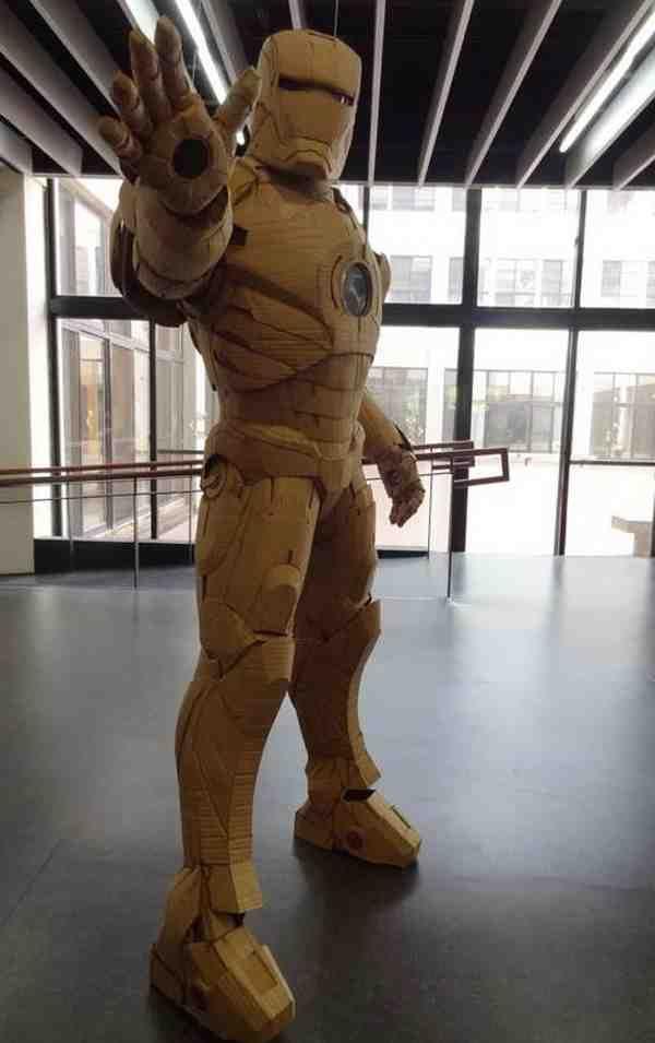 Cómo hacer un traje de Iron Man con cartón   -   How To Make An Iron Man Suit With Cardboard. http://diyfunideas.com (BEST DIY SITE EVER!)