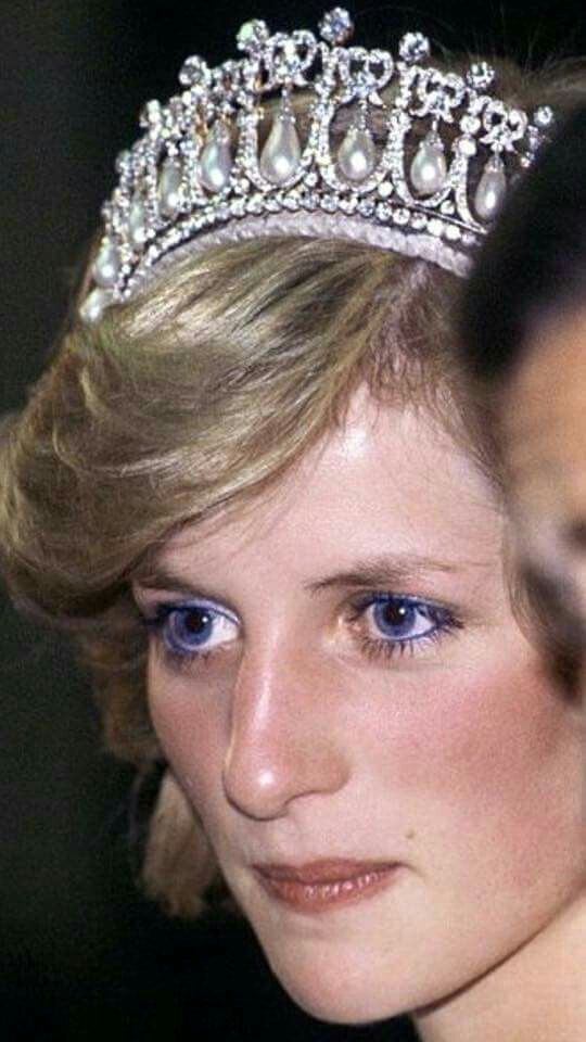 April 01, 1983: Princess Diana, Princess of Wales, smiles while wearing the Spencer Family Tiara at a State Reception in Brisbane, Australia in April, 1983.
