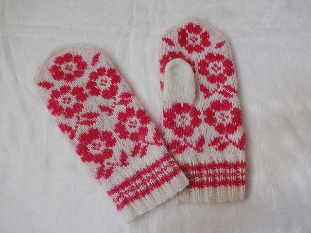 Ravelry: kedama's Flower mittens
