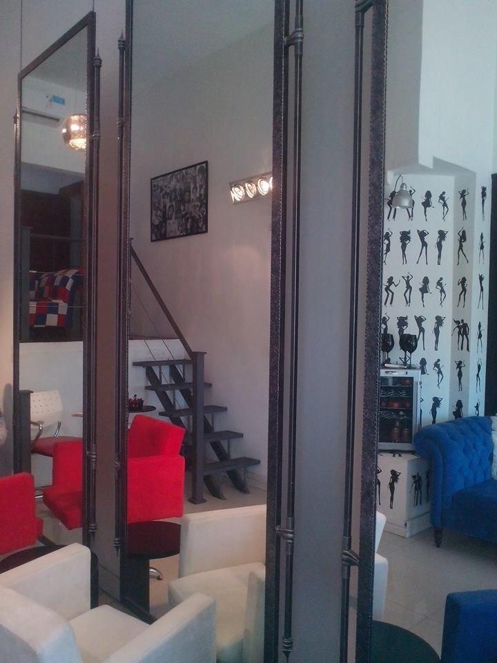 Marcos colgantes de hierro trabajado todo a mano, medida 2,50 x 1,00 metro.  #Espejo #Hierro #Colgante #Atril23 #Recibidor #Vestidor