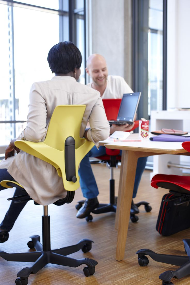 HÅG Capisco Puls chairs easy to move around! They make interaction with colleagues much easier! #InspireGreatWork #design #Scandinavian #office