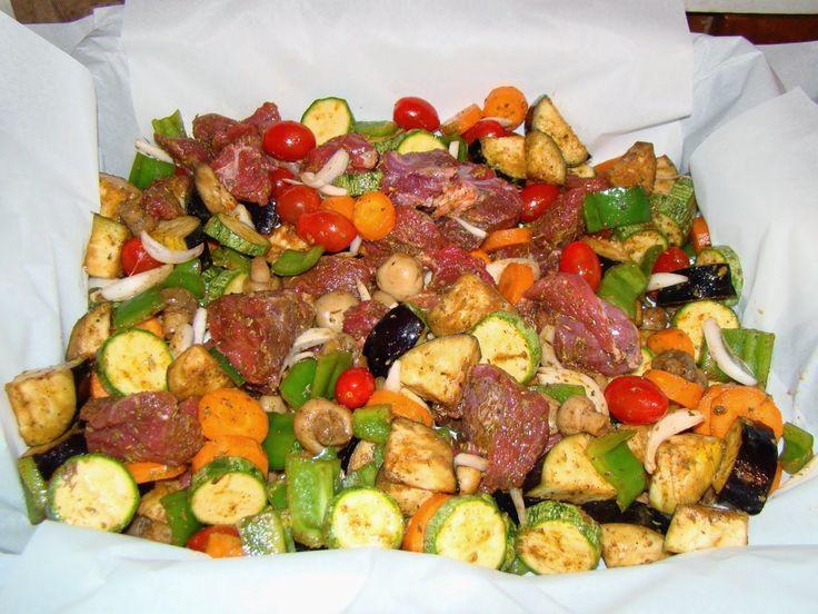 Μοσχαράκι στη λαδόκολλα με λαχανικά(2 μονάδες)