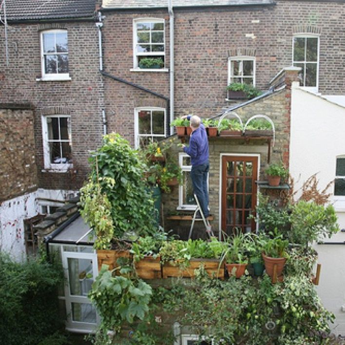39 best urban gardening images on pinterest apartment for Gardening in small spaces