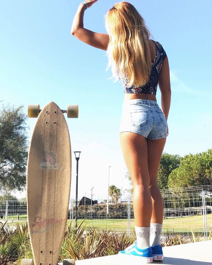"""1,000 curtidas, 30 comentários - N A N Y (@nanihasbunn) no Instagram: """"Love my Majestic AF ⚡️ #longboardgirl #longboards #skateboardbrand #california_igers…"""""""
