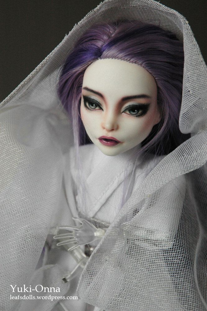 Yuki-Onna OOAK repainted & customized MH doll