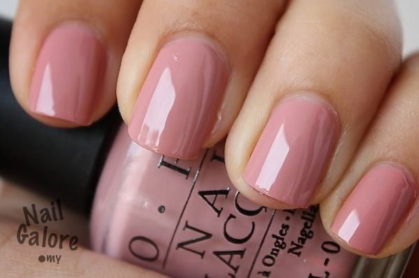 OPI dulce de leche from the classic collection. play off that classic neutral look with a touch of subtle pink peach.