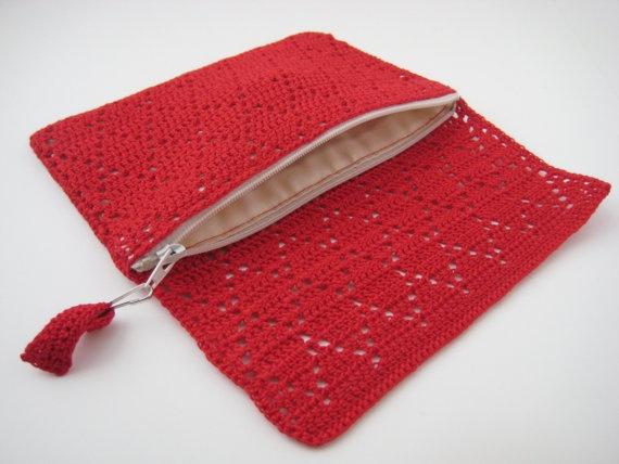 red diamond pattern crochet wallet