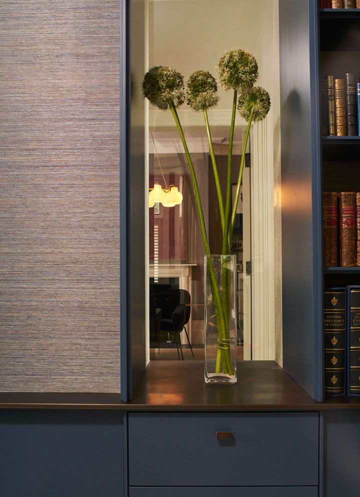 Robinson van Noort - Contemporary Residential Design, London - Barnes, London - Joinery detail - Living room - Interior Design - Glazing - Library - Bookshelf unit