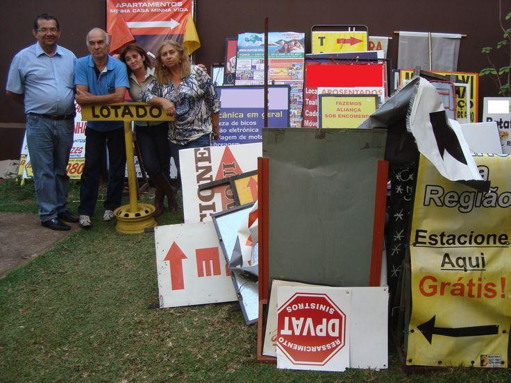 Cido, o motorista, Paulinho Palmeira, Adriana Armani e eu, Iris Tomaelo, com as apreensões do dia