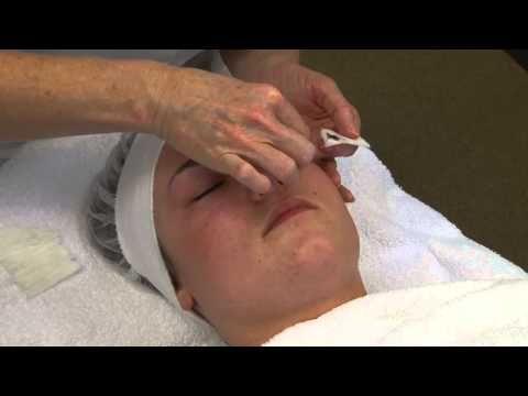 Verven van wimpers en wenkbrauwen met Courtin verf - YouTube