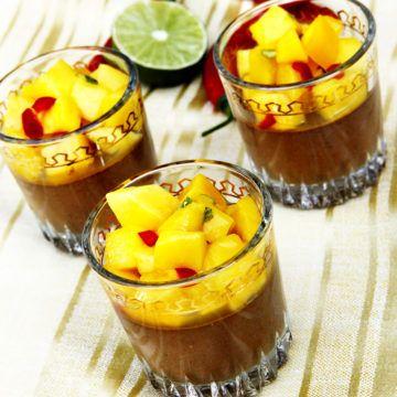 Chilichokladpannacotta med mango