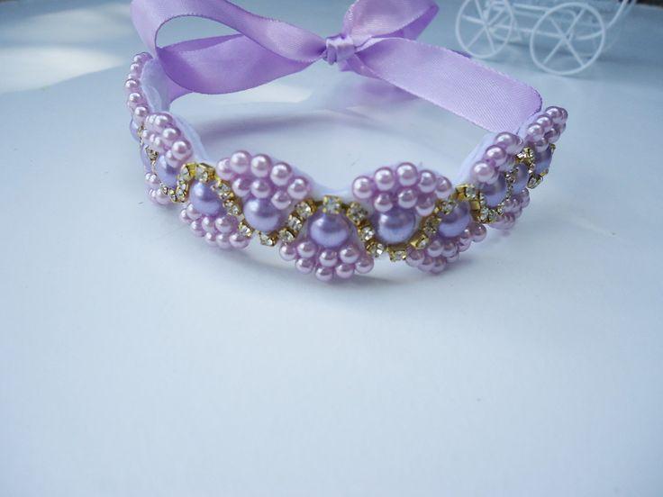 Porta coque de perolas e stras, um luxo que também esta disponível na cor perola e rosa.
