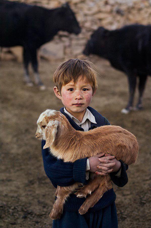 <3 <3 <3 Menino da Província de Bamiyan, Afeganistão