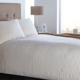 Seersucker White | Classic bed linen with a puckered effect for ultimate luxury