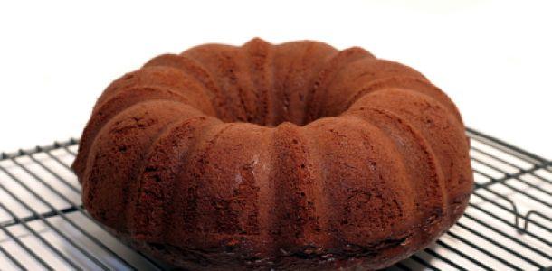 amaretto pecan chocolate pound cake | yummy desserts | Pinterest