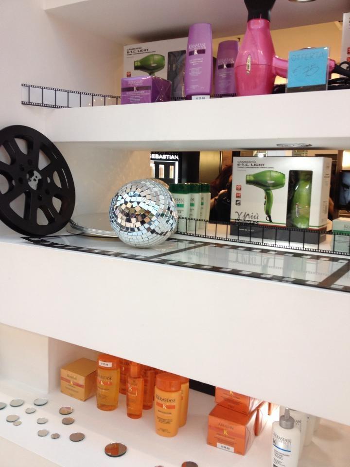 Furore Parrucchieri: Vetrina Cinema e Vetrina Autunno