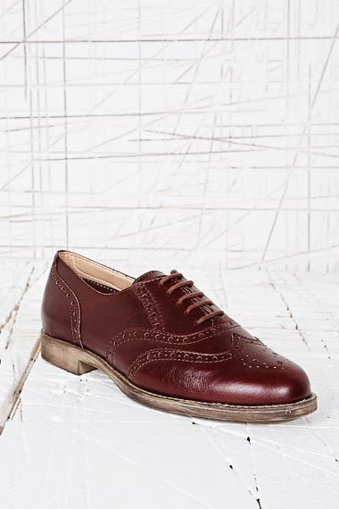 Deena & Ozzy Juke Leather Lace-Up Brogues in Brown at Urban Outfitters