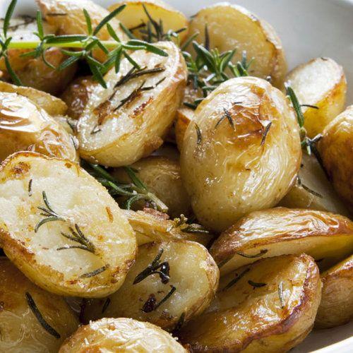 Patate aromatizzate con limone e aglio